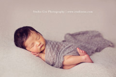 Modern-Newborn-Photographer-in-Orange-County